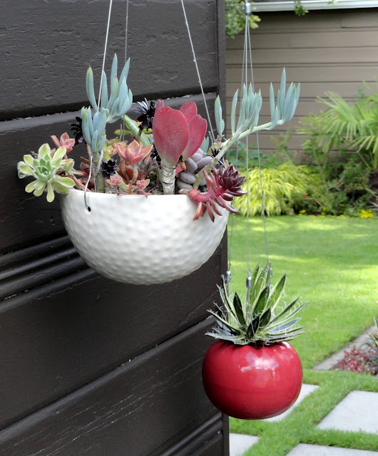 Горшках декор для сада своими руками