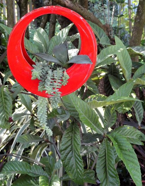 Живые цветы в горшках - Декор для сада своими руками