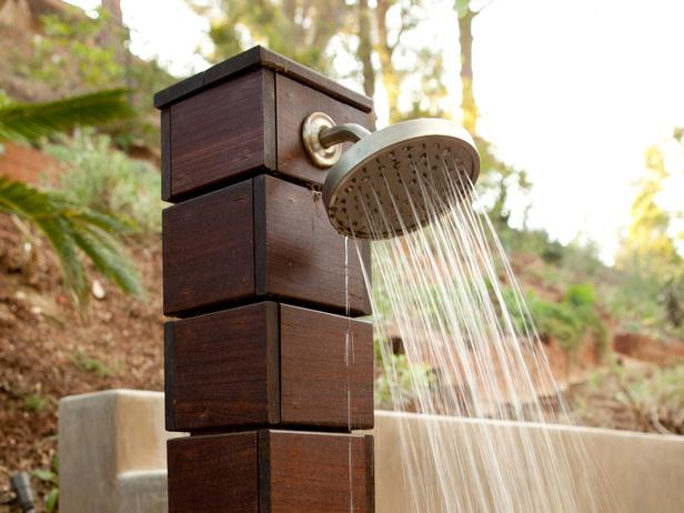 At-Home-Outside_Modern-Rustic-Backyard-Wooden-Shower_s4x3_lg