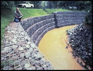 Камни в сетках - габионы (10)