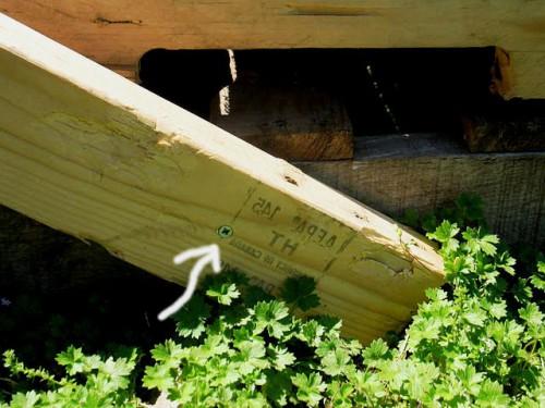Деревянная садовая мебель - лежак своими руками (5)