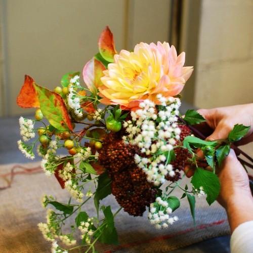 Букеты из домашних цветов своими руками фото 37