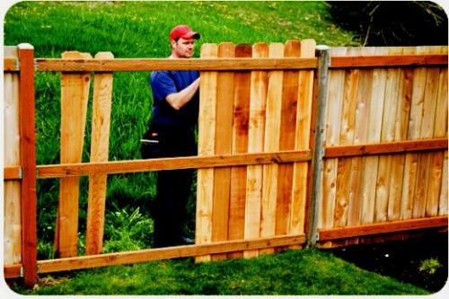 Делаем своими руками забор на даче