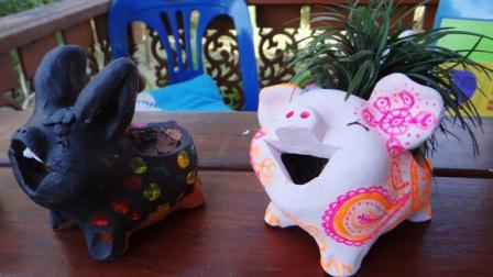 Чем занятся на даче с ребенком - роспись по керамике (3)