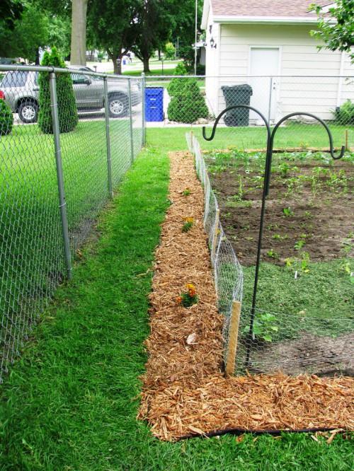 Оформление огорода - украшение двора своими руками (3)