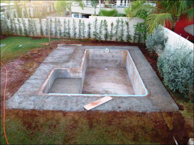 Бассейны во дворе дома своими руками 3