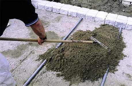 Дорожки на дачном участке - укладка тротуарной плитки (8)