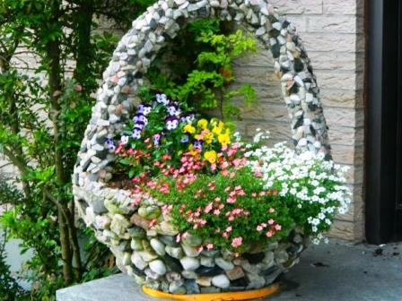 Маленькие цветочные клумбы своими руками фото 888