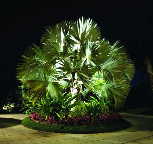 Как сделать освещение - в саду - фото (25)