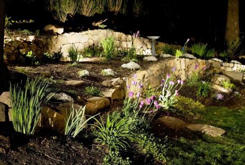 Как сделать освещение - в саду - фото (26)