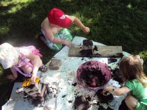 Фигуры из песка - или чем заняться с детьми (11)