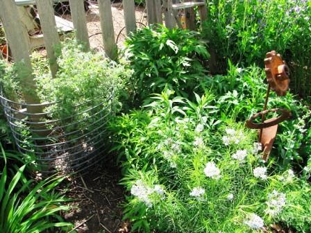 Интересные идеи для сада своими руками (4)