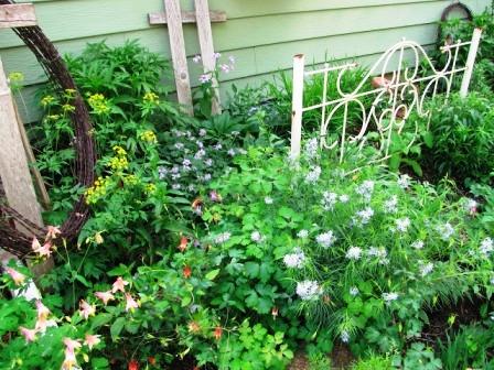 Интересные идеи для сада своими руками (8)