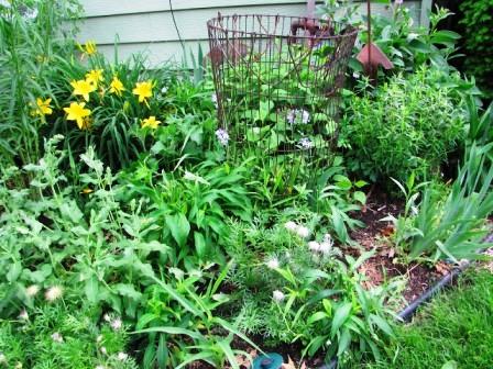 Интересные идеи для сада своими руками (10)