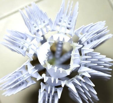 Поделки из пластмассовых вилок (5)