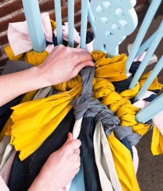 Как связать коврик на стул (7)