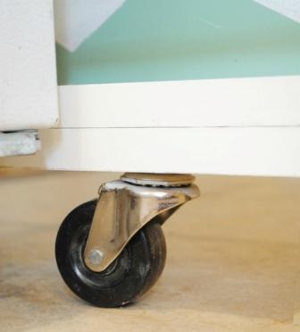 Как сделать выдвижной шкаф (5)