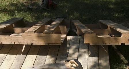 Кровать из поддонов своими руками (4)
