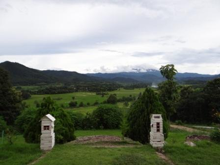Фото сказочного домика в горах (13)