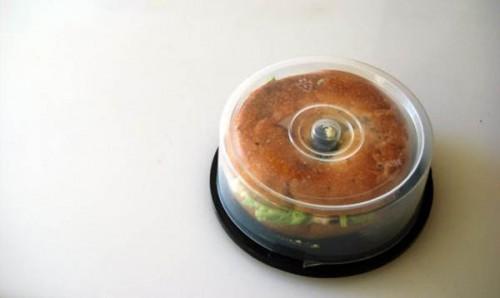 Контейнер для бутерброда и старой упаковки для CD