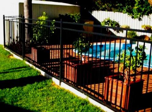 Как сделать забор - поделки для дачи (12)