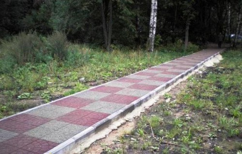 Как сделать дорожки на даче - фото (17)