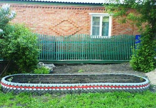 Как украсить двор - поделки из покрышек своими руками (18)
