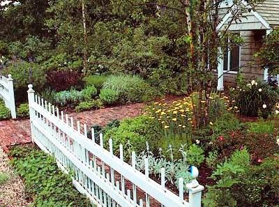Палисадник своими руками - фото как украсить сад  (3)