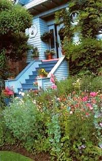 Палисадник своими руками - фото как украсить сад  (5)
