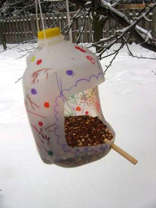 Как сделать оранжерею - поделки для дачи из пластиковых бутылок (7)