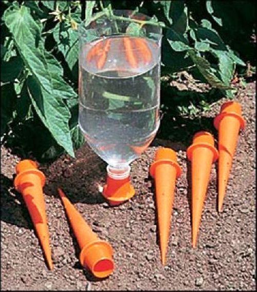 Как сделать оранжерею - поделки для дачи из пластиковых бутылок (8)
