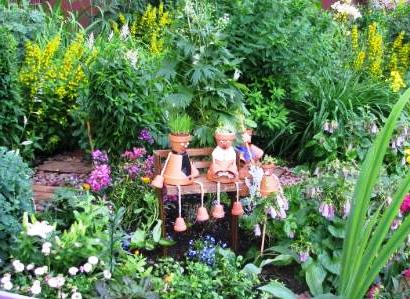 Поделки из цветочных горшков - как использовать ненужные вещи (23)