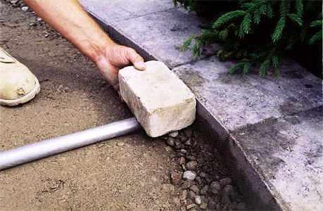 Дорожки на дачном участке - укладка тротуарной плитки (7)