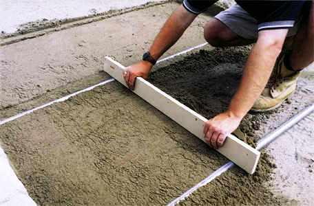 Дорожки на дачном участке - укладка тротуарной плитки (9)
